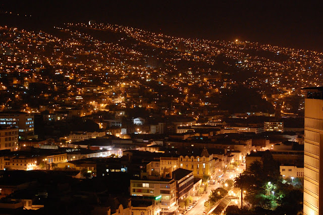 VAlparaíso, Chile- La Luna