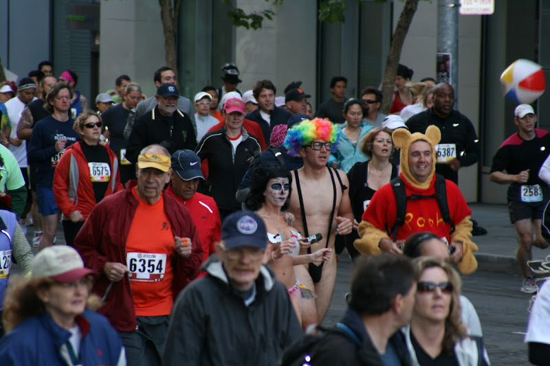 100th Bay to Breakers runners