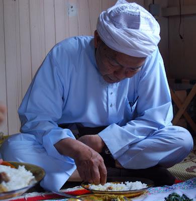 Tata Cara Makan Di Dalam Islam