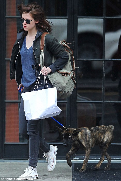 Kristen Stewart walks Robert Pattinson's dog in New York