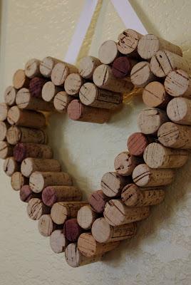 Szivecske dekoráció használt parafadugókból