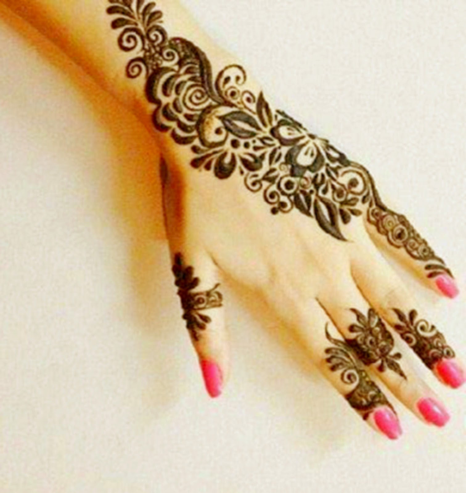 Quick Mehndi Patterns : Latest beautiful arabic mehndi design makedes