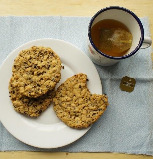 cookies de aveia com sementes de cacau