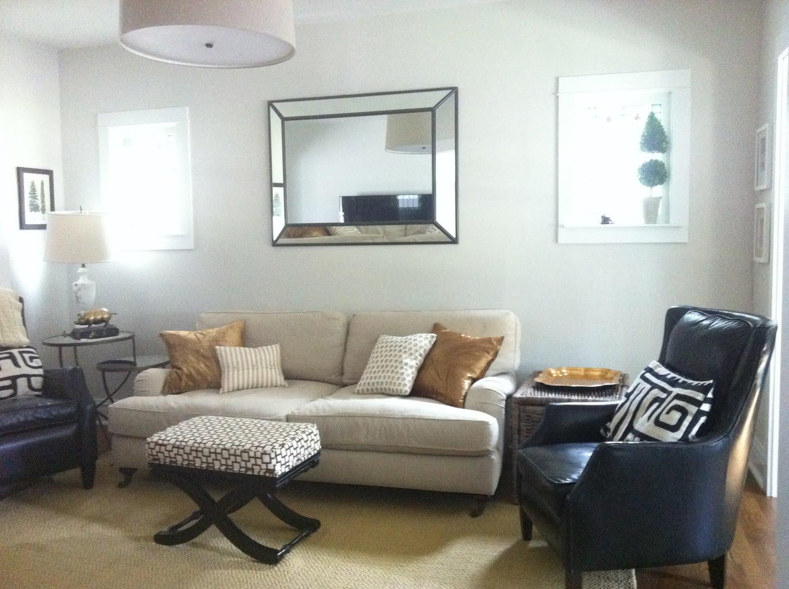 Wonderwall: Update on my living room...new lamp, new rug, etc