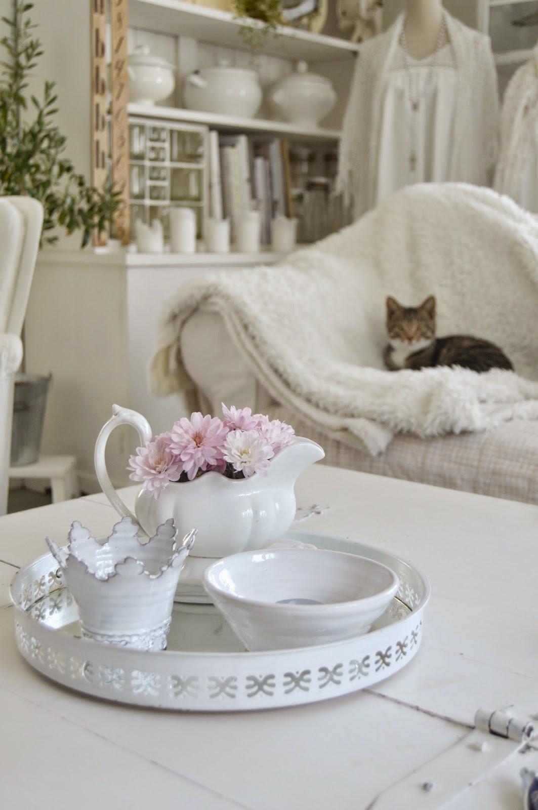 Hagbacken.blogspot.se ~: Lite rosa bollkryss i vardagsrummet och ...