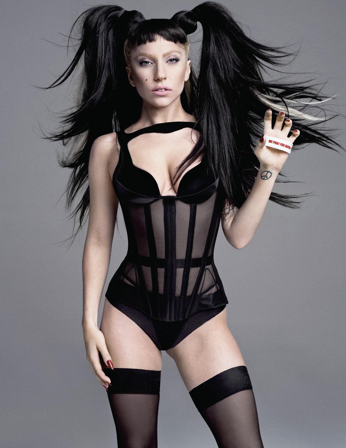 http://2.bp.blogspot.com/-81G_VdeB-MY/TepvdMPBfPI/AAAAAAAAADk/2LnbACx5acc/s1600/Lady-Gaga-V-Magazine-Summer-2011-Pic-5.jpg
