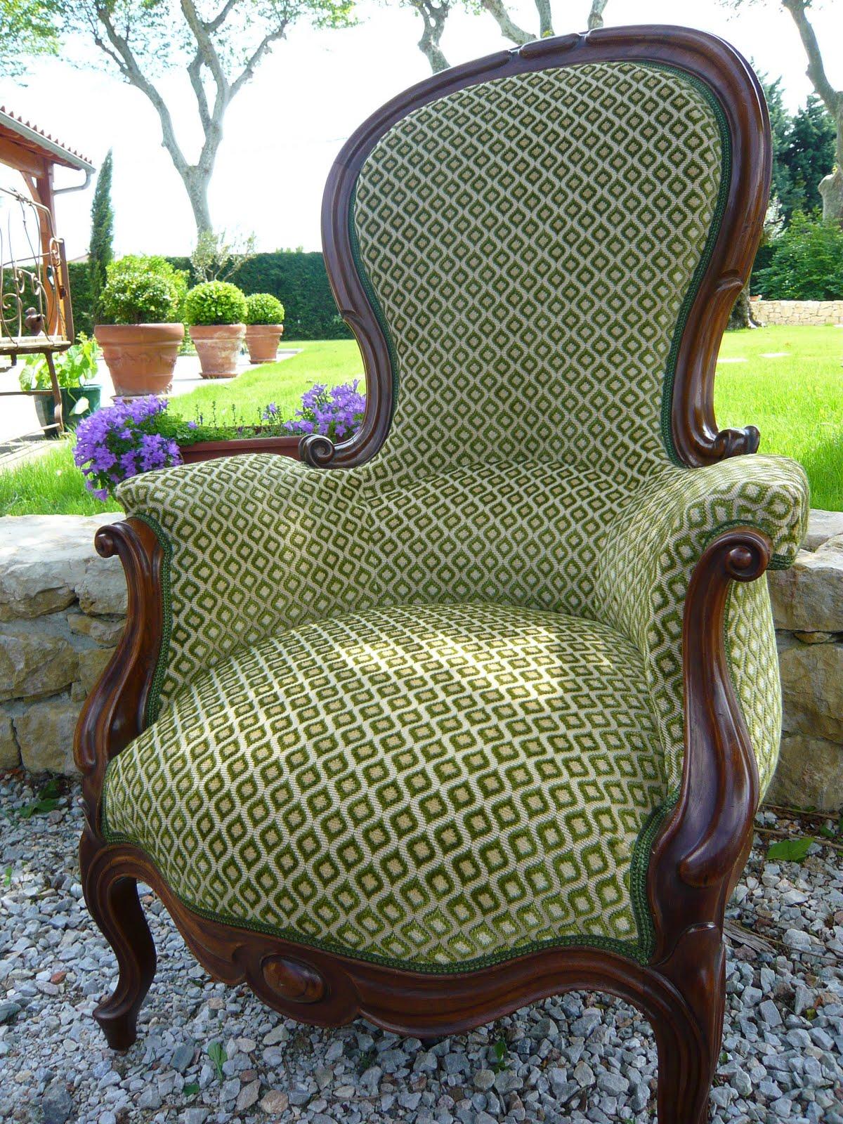 L\'Atelier Toile de Lin - le blog: fauteuil bergère à bosse de ...