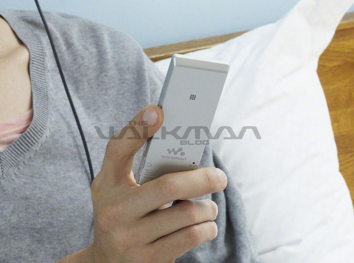 Sony Walkman NWZ-A15, NWZ-A17