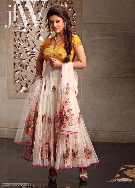Nayanatara+Gorgeous+-+BollywoodGo+(5)