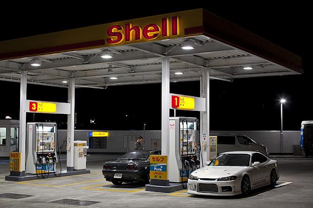 Nissan Skyline R32 & Nissan Silvia S15 japoński sportowy samochód coupe tuning JDM znany kultowy