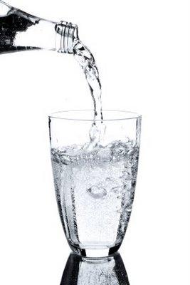 7 Akibat Bila Anda Malas Minum Air Putih