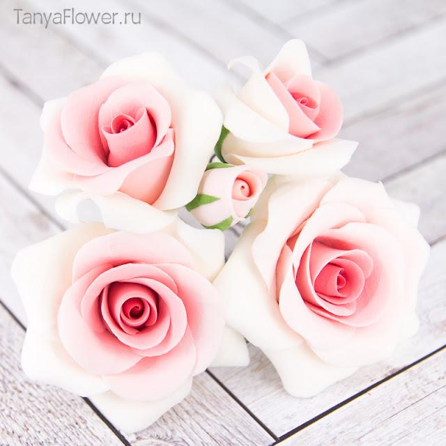 шпильки с цветами для свадебной прически
