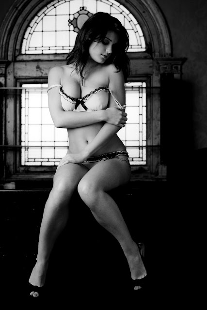 Hot Model India Reynolds