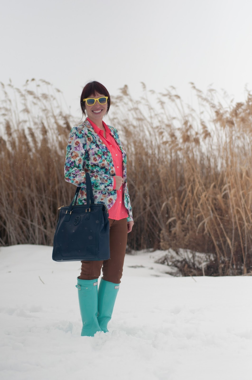 fashion blog, fashion blogger, mens fashion, mens style blog, blazer, ootd, floral, floral blazer, blue, pink, teal, hot pink, floral print, floral clothing, nordstrom, jcrew, jcrew blouse, silk blouse, blouse, waxed jeans, waxed pants, citizens of humanity, hunter, hunter boots, rain boots, rain boot, teal hunter boot, blue hunter boots, glossy boots, boot, glossy hunter boot, tory burch, leather purse, navy purse, leather purse, navy leather, ray ban, ray bans, wayfer, wayfer ray ban, earrings, bow earrings, gold earrings, womens style, fashion, style, fashion blogger, womens fashion blogger, neon yellow, snow, reeds, personal style, outfit post, style post, neon sunglasses, ray ban sunglasses