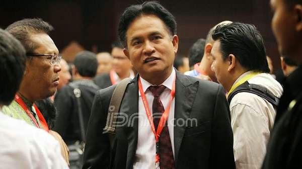 Muncul Pimpinan DPR Tandingan, Ini Kata Yusril