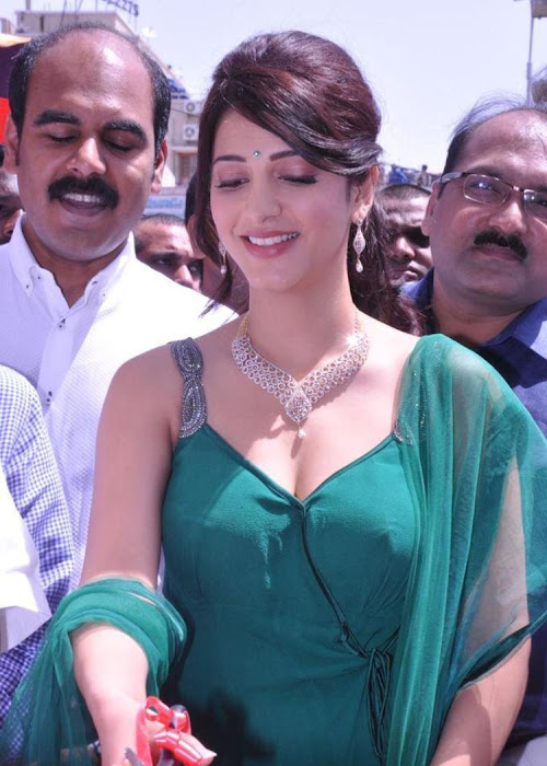 shruti haasan in sleeveless salwar spicy at malabar gold diamonds room launch unseen pics