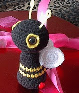 http://www.ravelry.com/patterns/library/bee-amigurumi