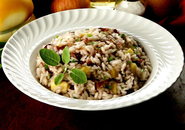 risotto al radicchio e mele/risotto with radicchio and apples