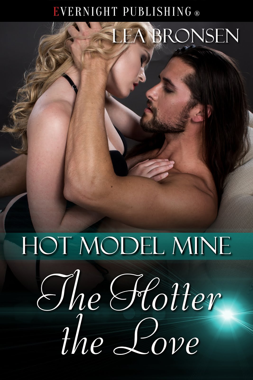 The Hotter The Love by Lea Bronsen