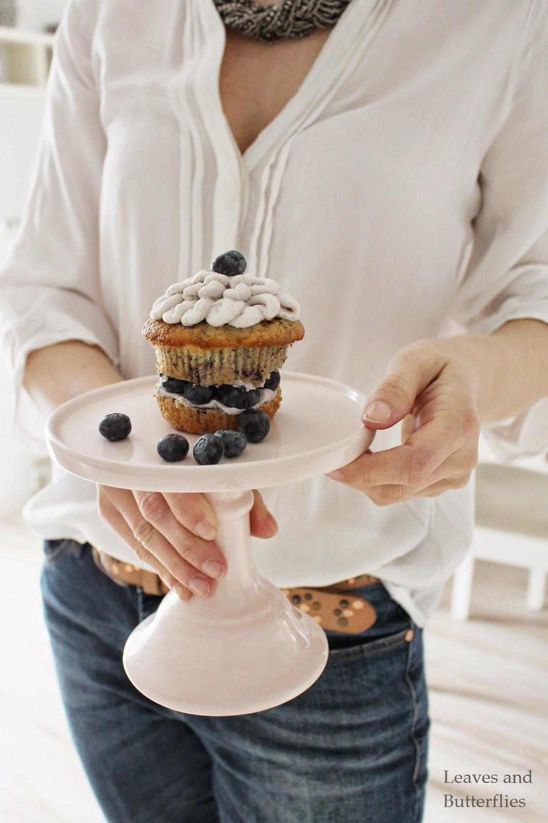 blaubeer cupcakes mit mascarpone creme. Black Bedroom Furniture Sets. Home Design Ideas