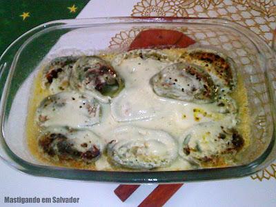 Bora Mangiare: Rondelli Verde de Mussarela e Tomate Seco com Molho Quatro Queijos