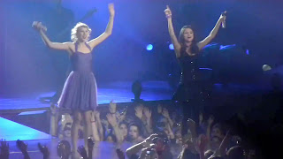 Taylor Swift and Selena Gomez Sing Together Live at Madison Square Garden in NY