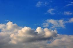 Blauer Himmel und die Wolkenschiffe...