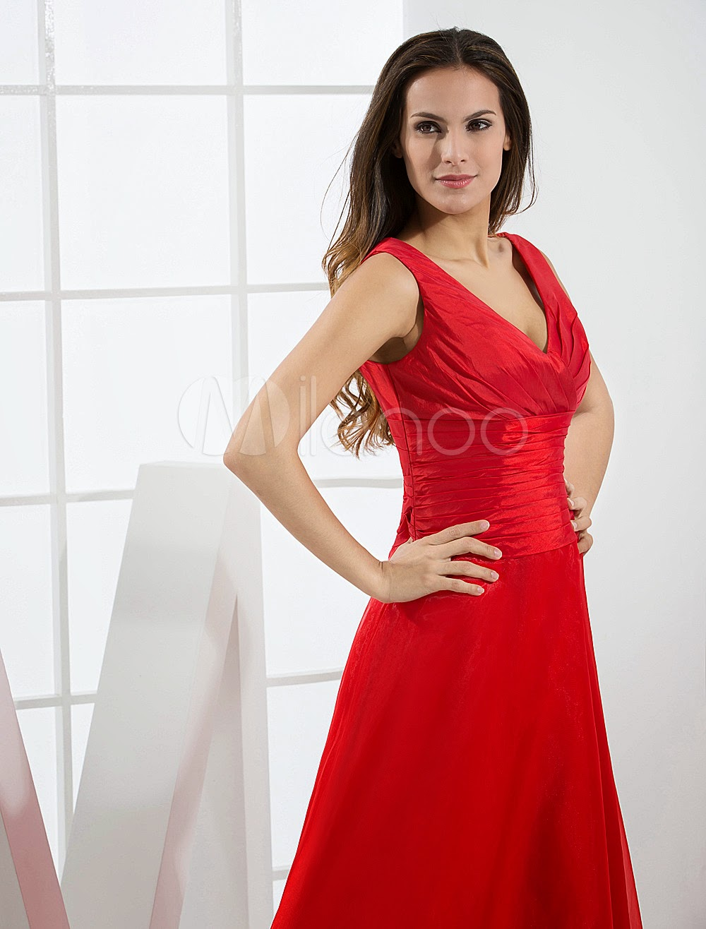 Red V-Neck Pleated Floor Length Organza Satin Bridesmaid Dress