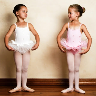 Anak-Anak Perempuan Latihan Balet