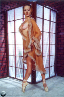 Naughty Girl - rs-03-750595.jpg