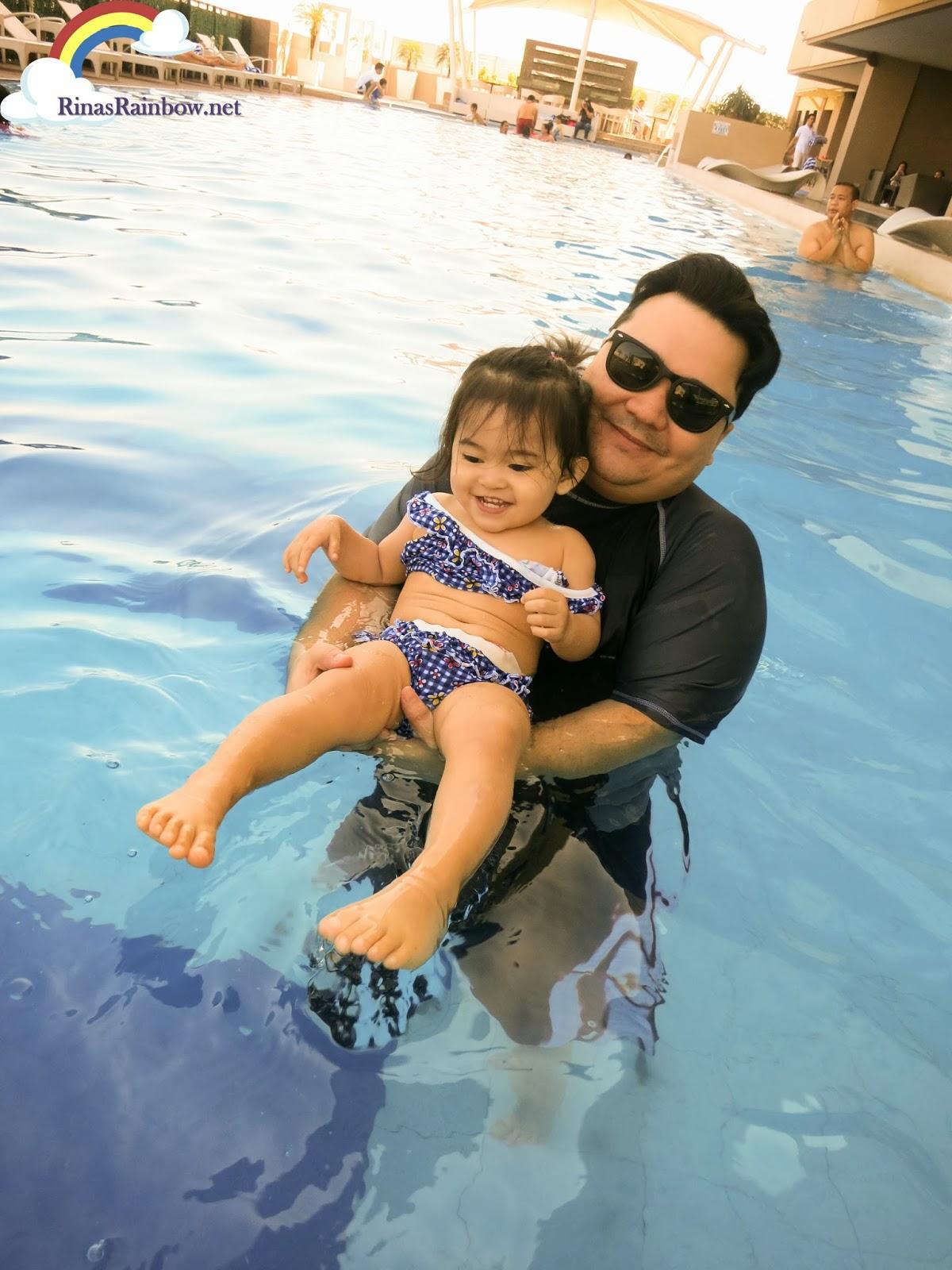 Bellevue Hotel Manila Swimming Pool
