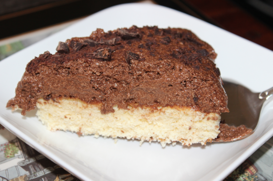 http://socookin.com/2014/05/09/gourmandise-tout-chocolat-genoise-chocolat-blanc-mousse-au-chocolat-noir/