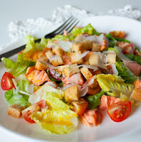 salat-s-suxarikami-prazdnichnyj