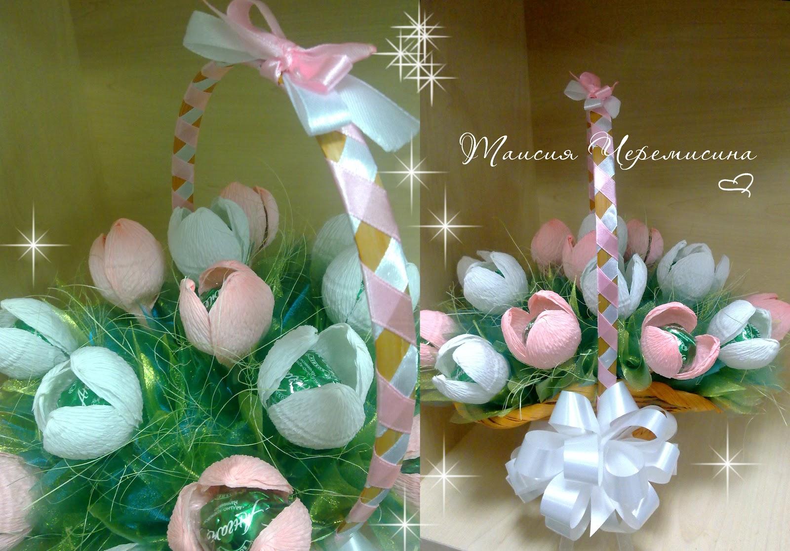 Корзинка с розами из конфет и гофрированной бумаги. Мастер 11