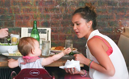 Jessica Alba Lunches With Her Little Girls » Gossip | Jessica Alba