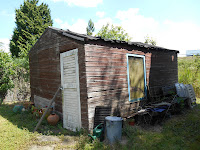 Zo zag het oude hutje er uit in onze boomgaard