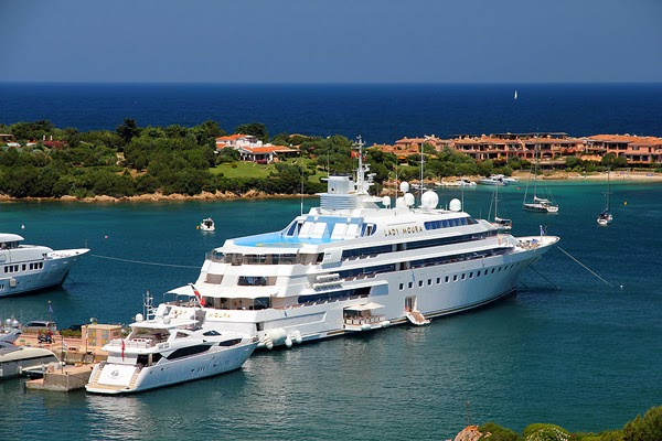 top 10 des yachts priv s les plus cher du monde le grand univers. Black Bedroom Furniture Sets. Home Design Ideas