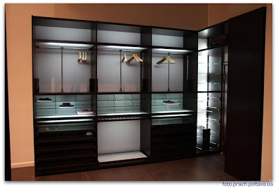 Шкаф модели Manhattan от фабрики MARTI DESIGN GROUP