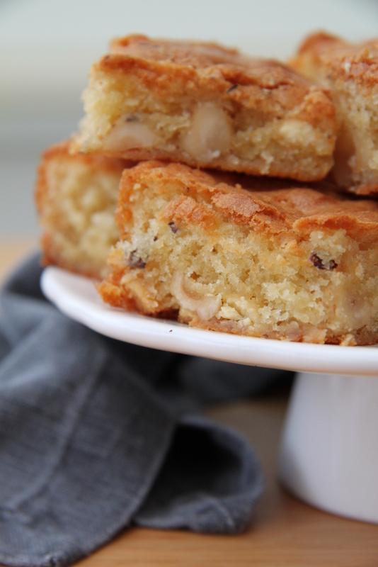 Blondies - pysze ciasto z orzechami