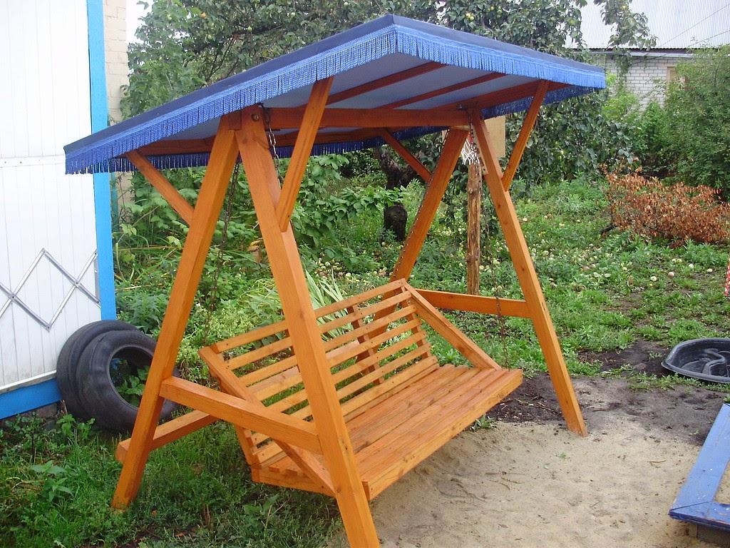 Качели деревянные для сада