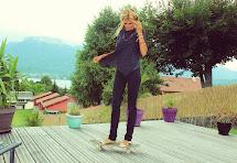 Little - Barefoot Blonde Amber Fillerup Clark