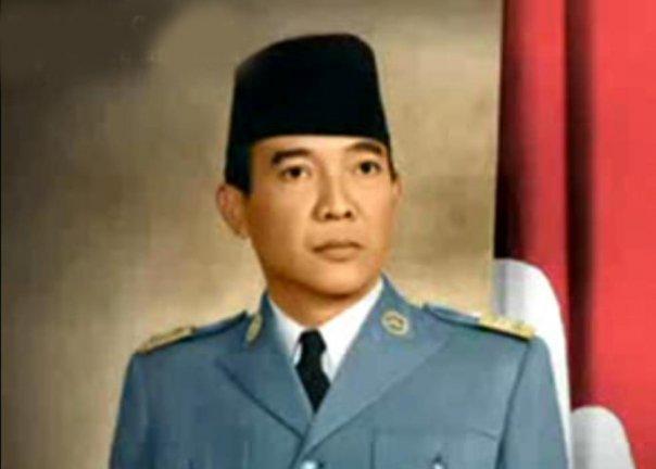 Ir. SOEKARNO PRESIDEN REPUBLIK INDONESIA YANG PERTAMA