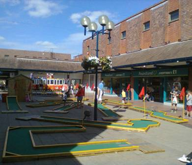 The ham and egger files minigolf in letchworth garden city for Garden city mini golf