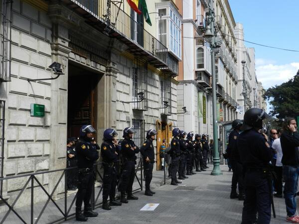 [Málaga] La lucha contra el ERE y los 380 despidos de los trabajadores de Isofotón ... BE1pvP4CYAAOwzB