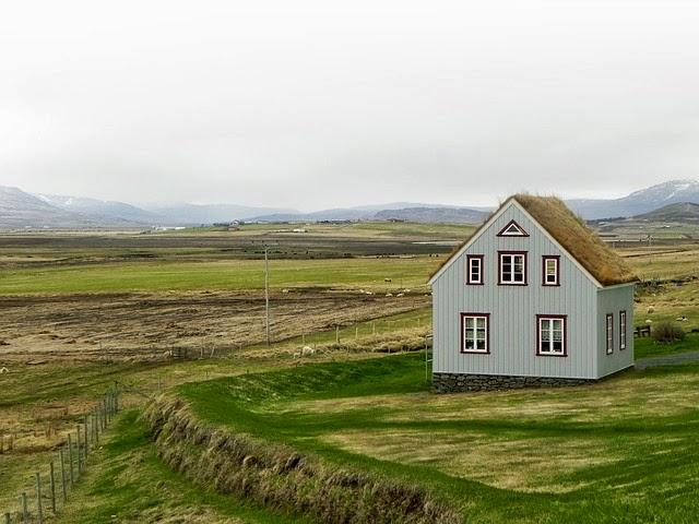 Casa de campo en islandia imagenes sin copyright - Casas en islandia ...