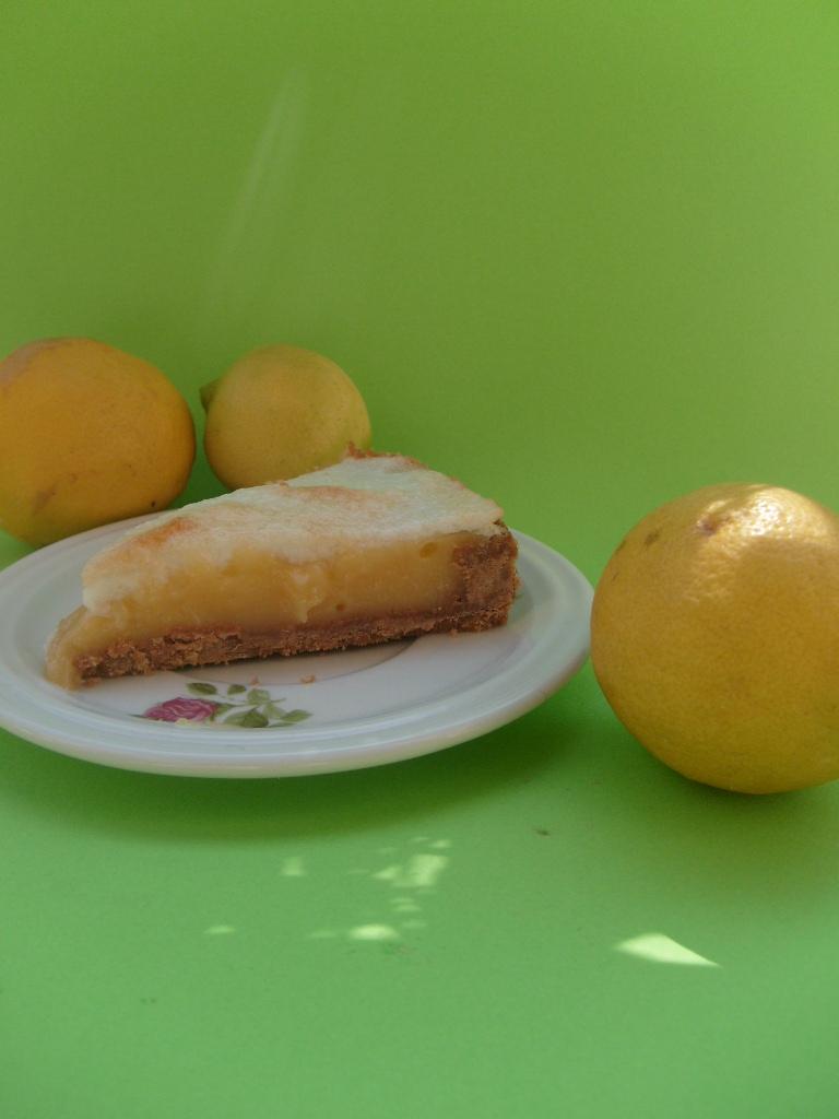 More Sugar Than Sense: Lemon meringue cake: quando l'inglese torna ...
