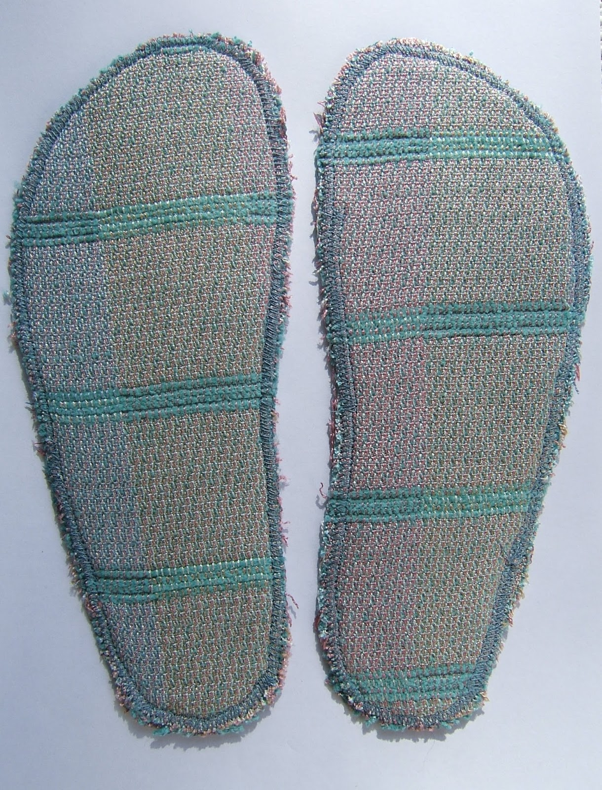 Knitting Pattern For Slippers With Soles : aussie knitting threads: How to make soles for knitted slippers
