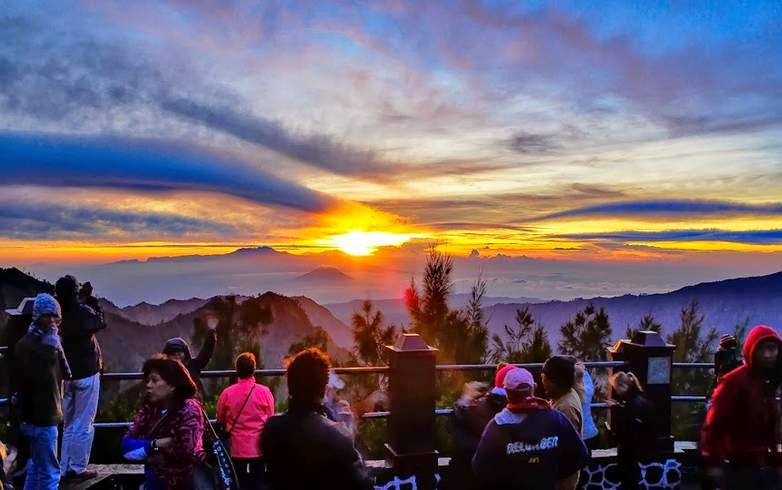 Mount Bromo Sunrise Tour Package from Surabaya