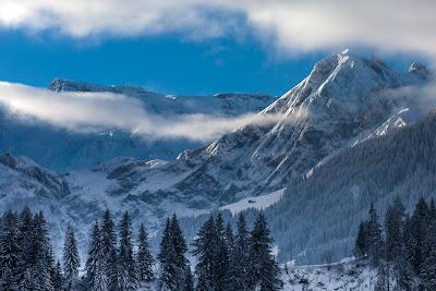 20 imágenes de paisajes, islas y cascadas para relajar tu mente Paisajes-hermosos-cascadas-y-monta%C3%B1as-nevadas-+(20)