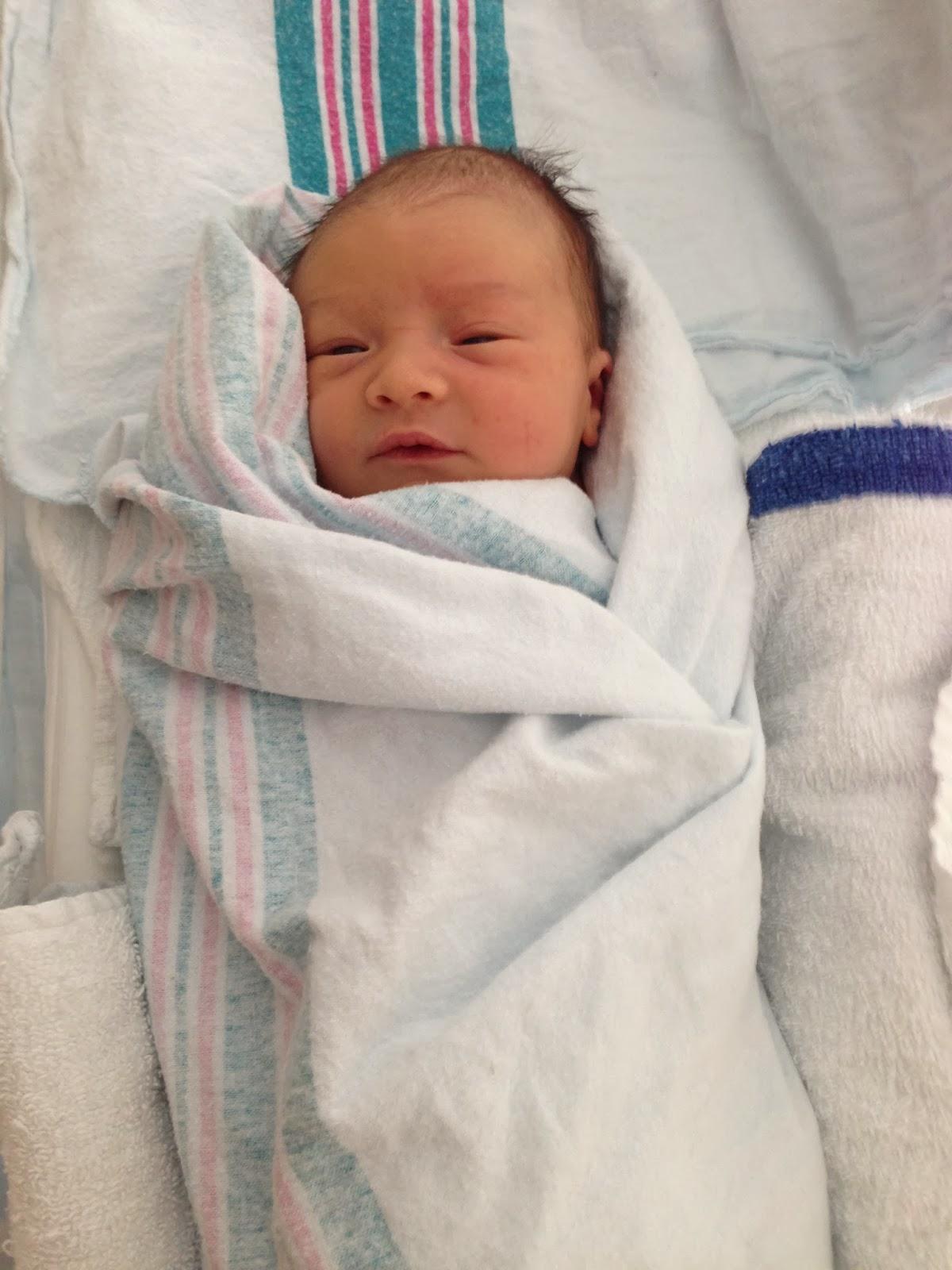 Gallery Beautiful Newborn Baby Girl In Hospital